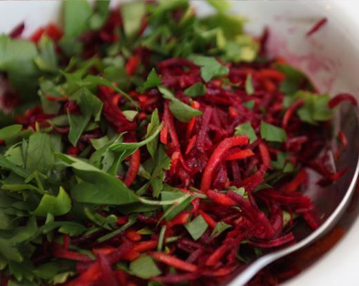 рецепт салата из сырой свеклы